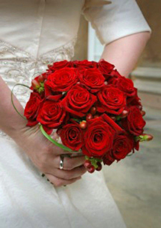 Brides Handtie x 1<br />Bridesmaid Handtie x 3<br />Button Holes x 7<br />Corsages x 2