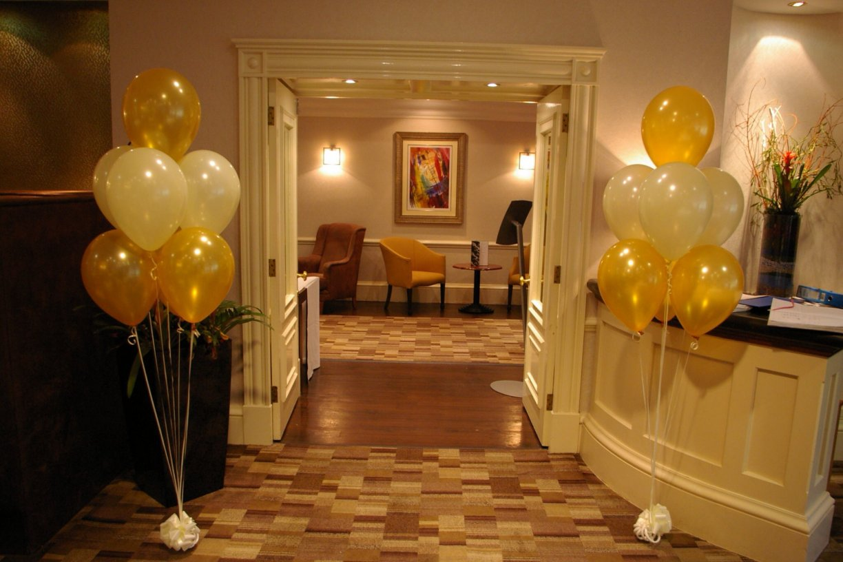 Help guide the way to your Wedding Breakfast with the Entrance 7's in your theme colours