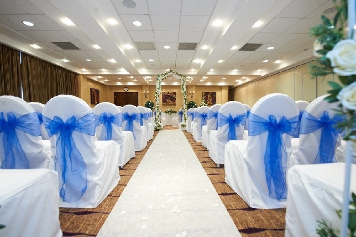 Up to 25% off your chair covers when we look after your other products