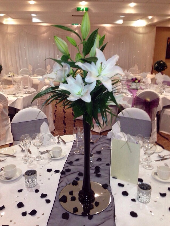 Lillie's in a 80cm black/white vase