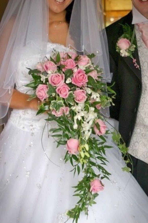 Rosita Vandella Roses with Cream Singapore OrchidsLeanne's Wedding Album